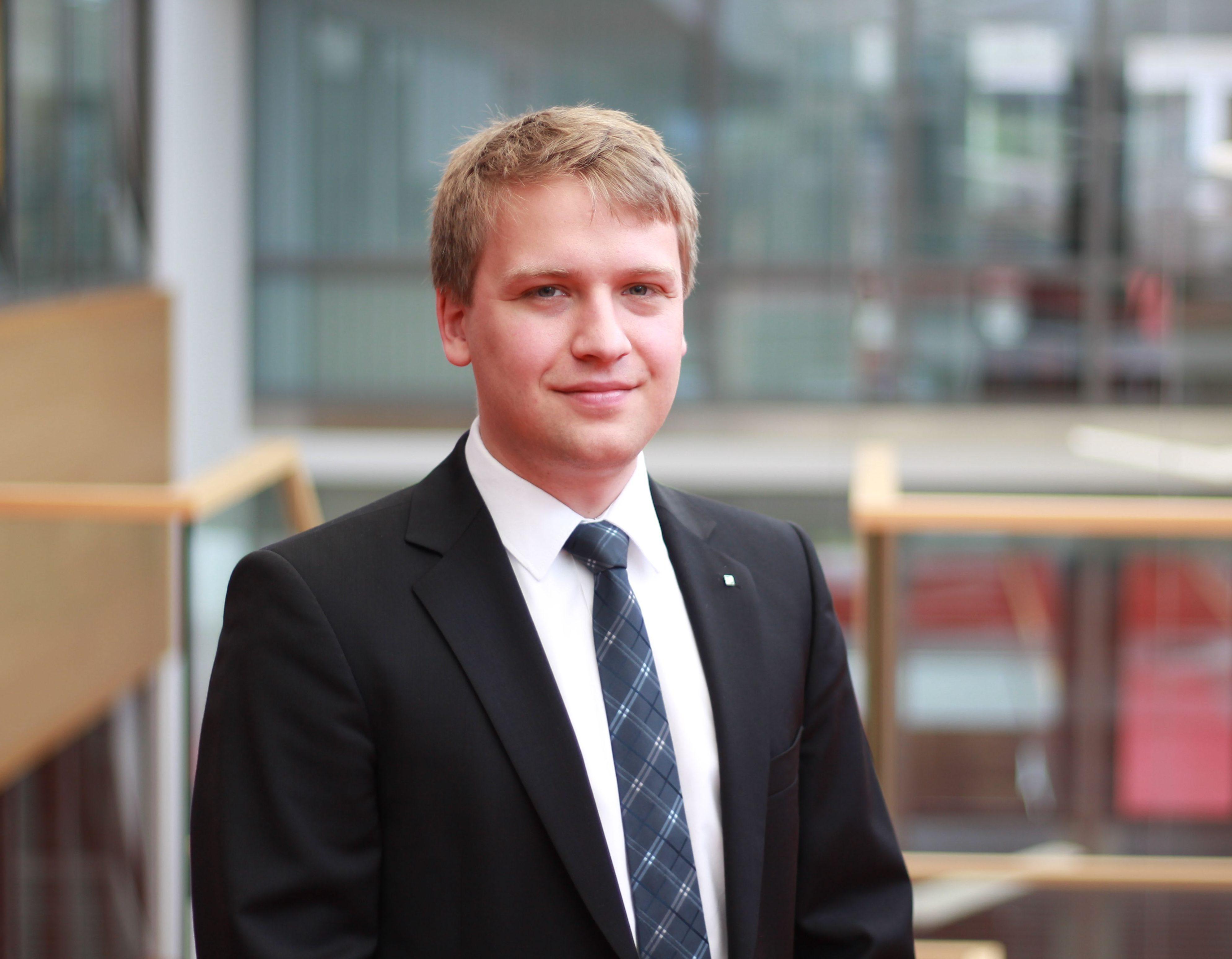 Harry Fast M.A. ist wissenschaftlicher Mitarbeiter und Entwickler des neuen INAcarry Systems.