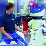 Mensch und Maschine brauchen sich gegenseitig. Der Wandel der Arbeitswelt muss aktiv gestaltet und begleitet werden.