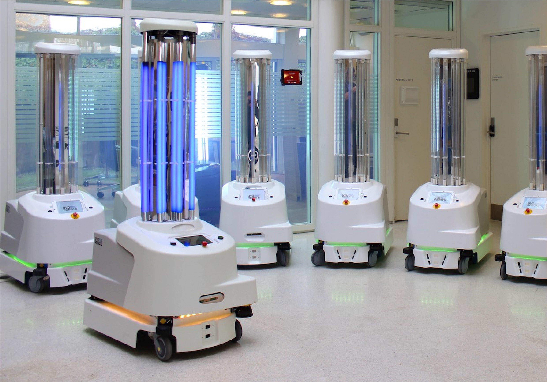 Roboter spielen bei der Bekämpfung des Coronavirus SARS-CoV-2 weltweit eine wichtige Rolle