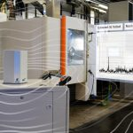 Ein Sensor überträgt die Schwingungsspektren der Blisks via 5G mit Latenzen von bis zu einer Millisekunde an eine Software.