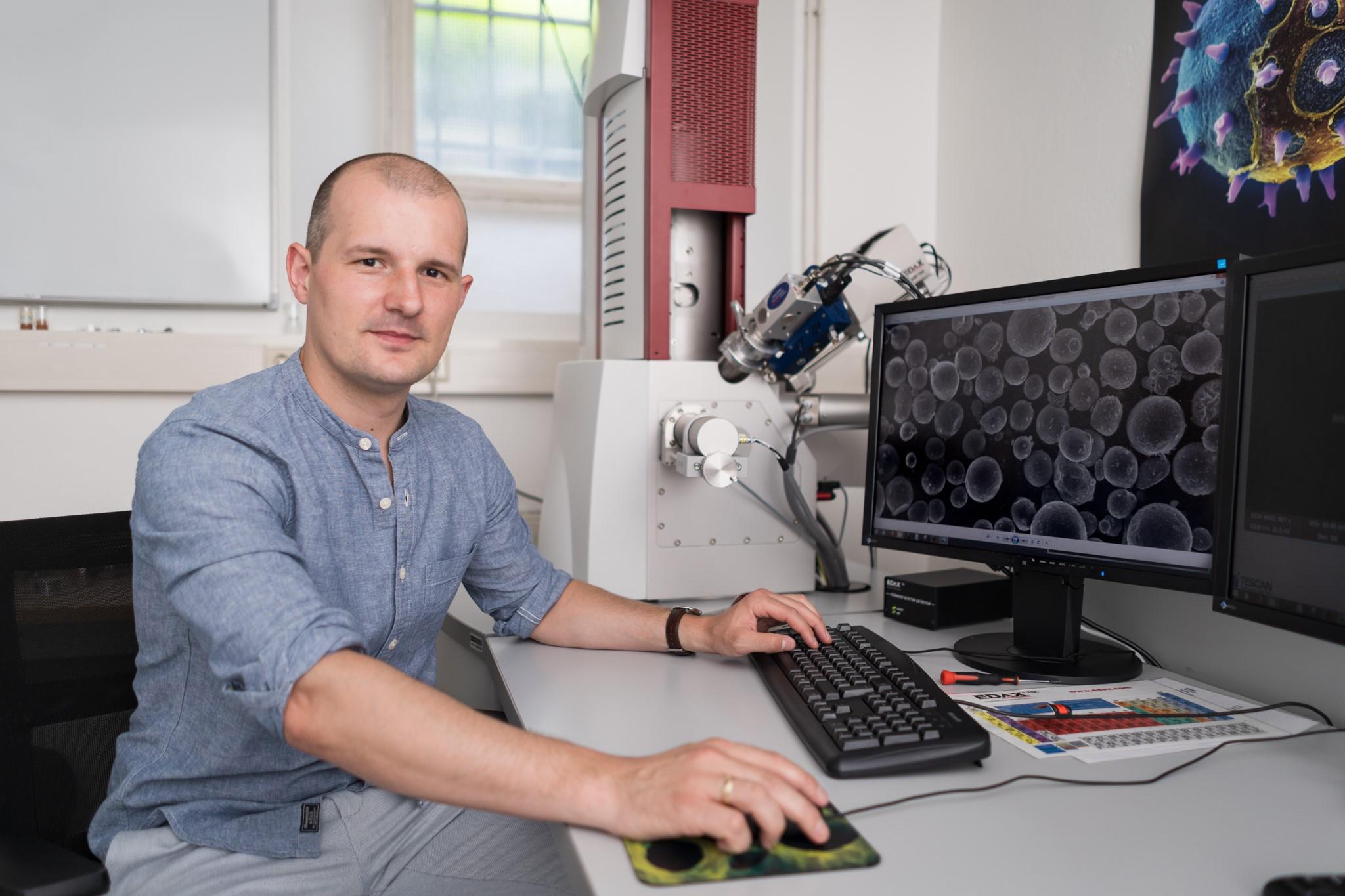 Mateusz Skalon hat ein innovatives Pulver für den 3D-Metalldruck entwickelt und arbeitet nun an dessen Marktreife